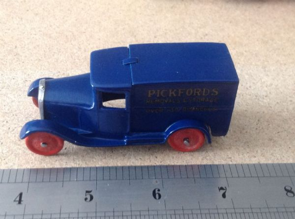 "Dinky Toys copy model 28 Series Type 1 Delivery Van ""Pickfords Removals"" ( With Solid Metal Wheels )"